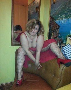 Красивая девушка, Мурманск, развлеку приятного мужчину.